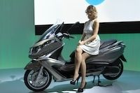 En direct du salon de Milan 2011 : Piaggio X10 125 cm3/350 cm3/500 cm3