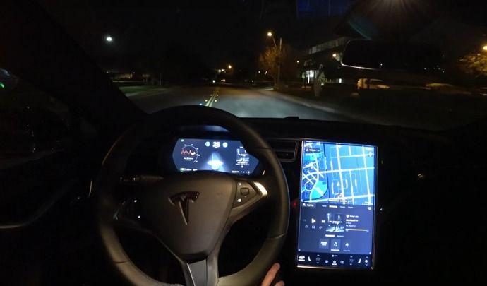 Tesla : l'Autopilot a encore quelques progrès à faire, la preuve