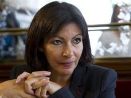 Anne Hidalgo exhorte Carlos Tavares à faire les bons choix