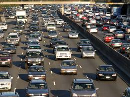 Etats-Unis : moins de voitures, mais des consommations toujours aussi importantes