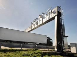 Ecotaxe: le démontage des portiques commence, facture à suivre