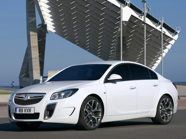 Opel étudie la possibilité d'une Insignia OPC de 400 ch