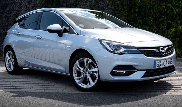 Essai vidéo - Opel Astra restylée: en attendant la remplaçante