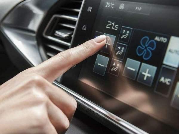 PSA se rapproche d'IBM pour connecter ses voitures