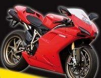 """Pirelli, Ducati et Sport-Bikes pour le meilleur du racing : opération """"Rentrée Racing""""."""