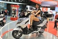 En direct du salon de Milan 2011 : Kymco Grand Dink 125 cm3/300 cm3