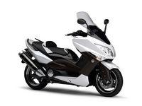 Nouveauté Yamaha 2010 : Le TMax White Max, pour les 10 ans du TMax