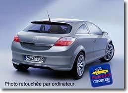 Caradisiac dévoile l'Astra trois portes (commercialisation : octobre 2004)
