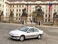 Le maire de Prague se déguise pour contrôler les taxis