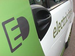 5 Smart Fortwo Electric Drive vont être louées par SFR