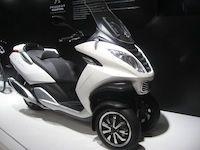 Mondial de l'Automobile en direct : le trois roues Peugeot Métropolis lancé au Printemps 2013