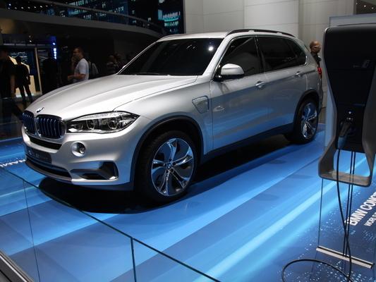 BMW X5 xDrive40e : le X5 hybride rechargeable arrive en 2014