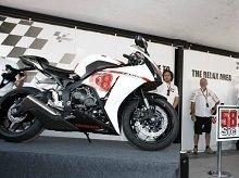 Moto GP - Fondation Marco Simoncelli: Le beau geste de Carmelo Ezpeleta