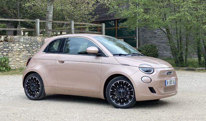 Essai vidéo - Fiat 500e 3+1 : une porte qui fait la différence ?