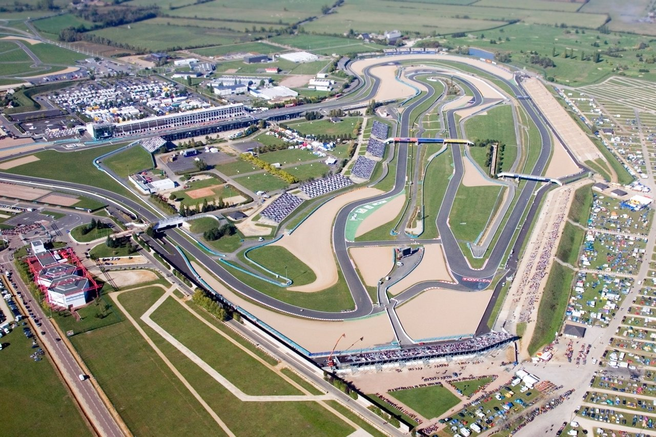 le circuit de magny cours renoue avec la formule 1. Black Bedroom Furniture Sets. Home Design Ideas
