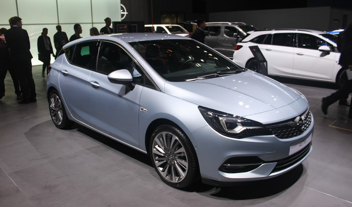 Opel Astra restylée (2019) : en attendant l'Astra française - Vidéo en direct du salon de Francfort 2019