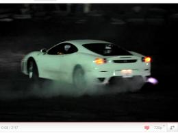 [vidéo] Une Ferrari F430, un bourrin, de la fumée et un gros mal au coeur