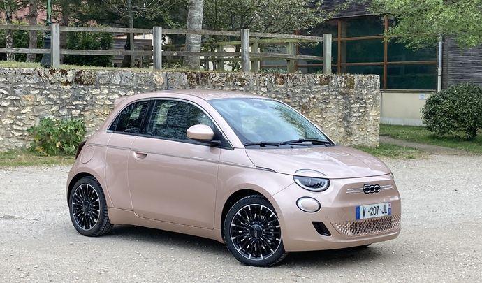 Fiat 500e 3+1 : les premières images de l'essai en live + impressions de conduite