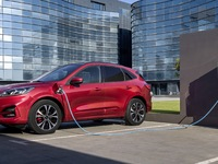 Ford: 50% de véhicules électrifiés en 2022