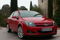 Essai - Opel Astra GTC : du fard, pas encore la  poudre