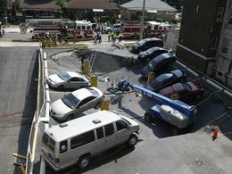 Un parking s'éffondre au Canada à cause d'un engin de chantier