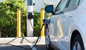 Aux USA, une personne sur cinq ferait marche arrière sur la voiture électrique