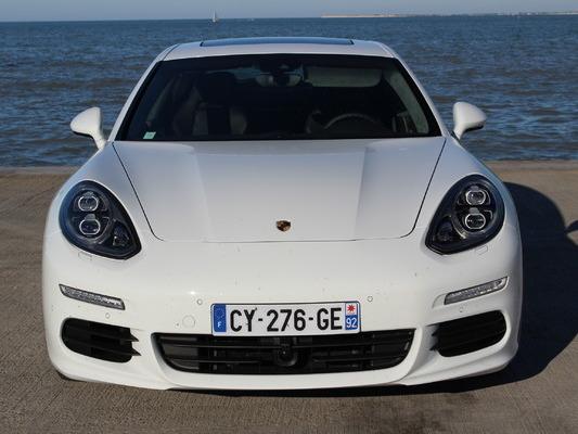 Porsche : de nouveaux détails sur la future berline