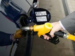 L'Etat annonce jusqu'à 6 centimes de baisse sur les prix des carburants