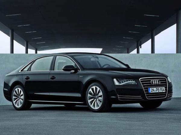 Future Audi A8 : passage à la propulsion