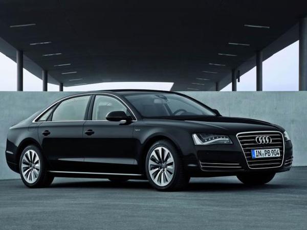 Future Audi A8 : passage à la propulsion