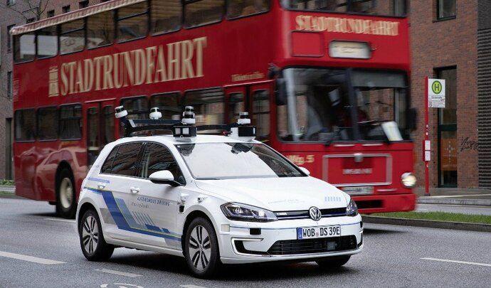 Volkswagen : la conduite autonome facturée 7 € de l'heure pour être rentable