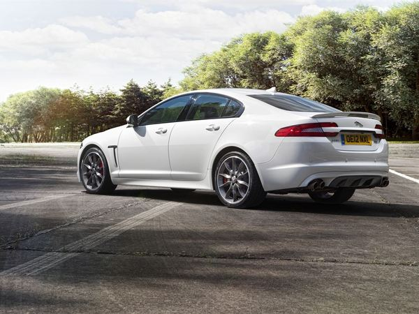 Jaguar XFR: Speed Pack à ravir? (+1 vidéo)