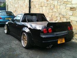 Ta Nissan Skyline R33 ressemble à une Safrane ? Fais-en un pick-up !