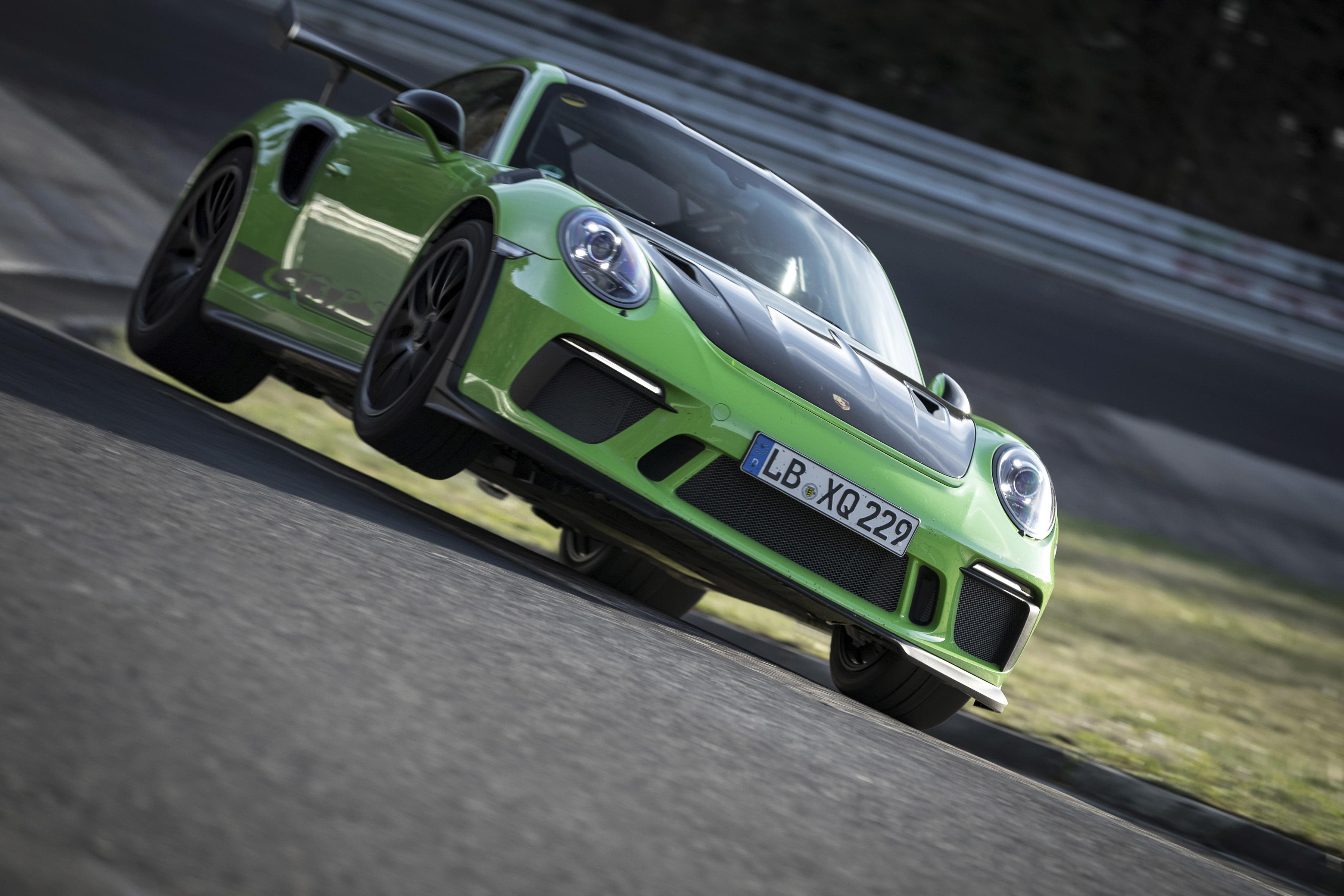 La Porsche 911 GT3 RS en 6'56.4 sur le Ring