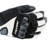 Gants pour les amateurs de sport roulant aussi en hiver... by Ixon.