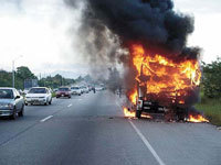 Un camion flambé au Whisky sur une autoroute allemande
