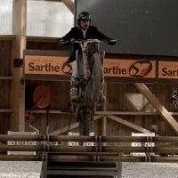 Vidéo - Endurance : Louis Rossi se met au saut d'obstacles