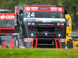 Courses de camions: dans les coulisses de Renault Trucks racing