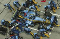 Des ravitaillements réglés au millimètre en F1