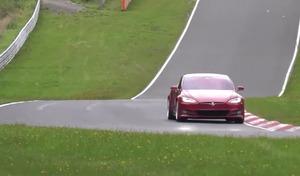 Tesla : le record de la Porsche Taycan déjà battu ?