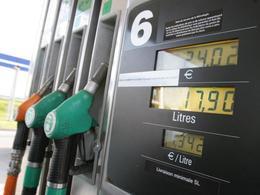 Pierre Moscovici souligne la baisse des prix à la pompe
