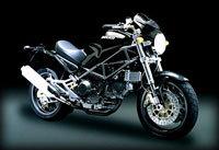 Brad Pitt s'offre une Ducati pour rouler dans Paris