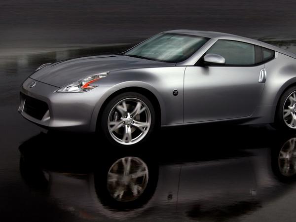 """Nissan envisage une Z """"plus petite"""""""