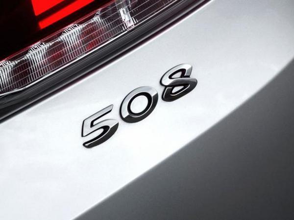 La future Peugeot 508 inaugurera la conduite autonome