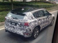 Surprise : voici le futur BMW X1 en version longue