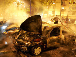 14 juillet: Brice Hortefeux ne veut donner «aucun chiffre de voitures brûlées»