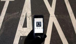 Italie: sorti par la porte Uber revient par la fenêtre
