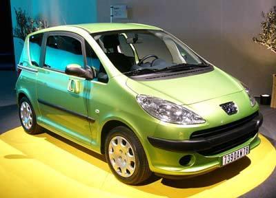 Peugeot 1007 :   un minispace bourré d'astuces