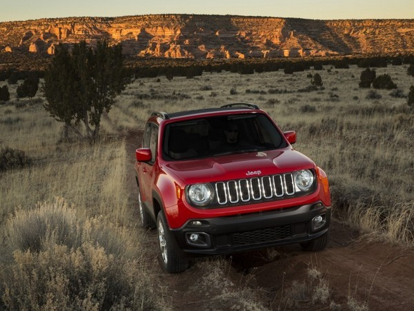 les livraisons de jeep renegade stopp es cause d 39 un probl me de bo te. Black Bedroom Furniture Sets. Home Design Ideas