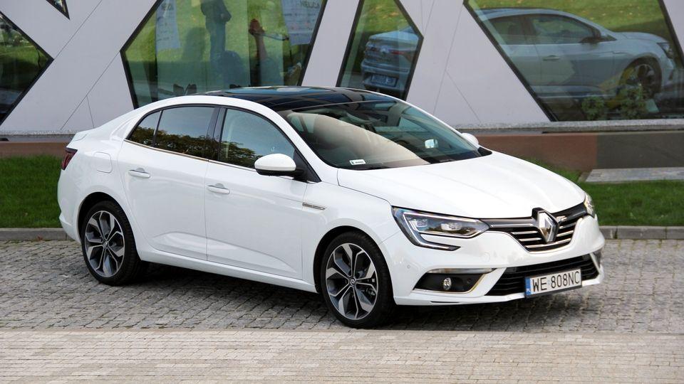 Renault La Megane Berline Gagne Le Titre De Voiture De L Annee